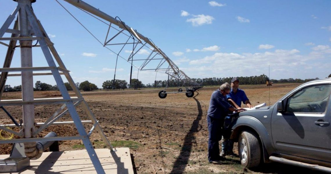 This Centre Pivot project in Mooroopna North required a new pump station, power to the pivot and new switchboard in the pumproom.